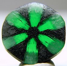 emerald_(cropped).jpg